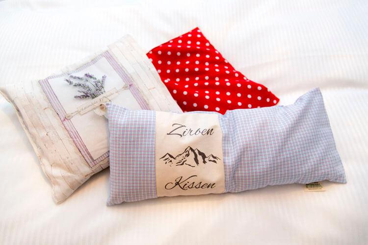 Grosse Kissenauswahl im Hotel Schlüssel Luzern