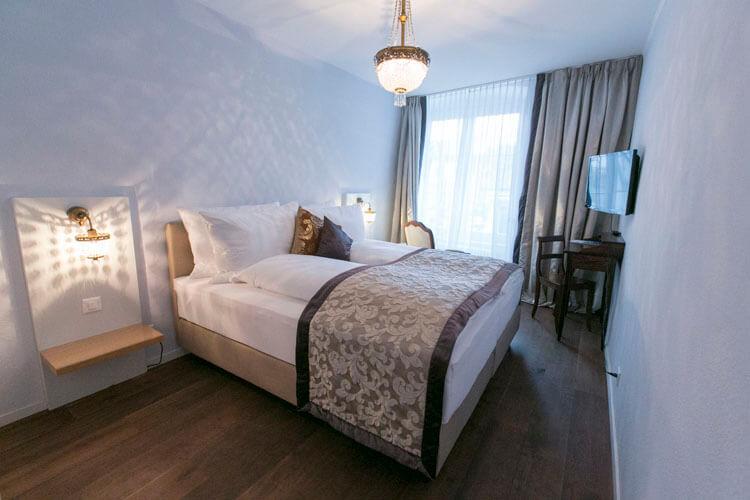 Standard Zimmer im Hotel Schlüssel Luzern