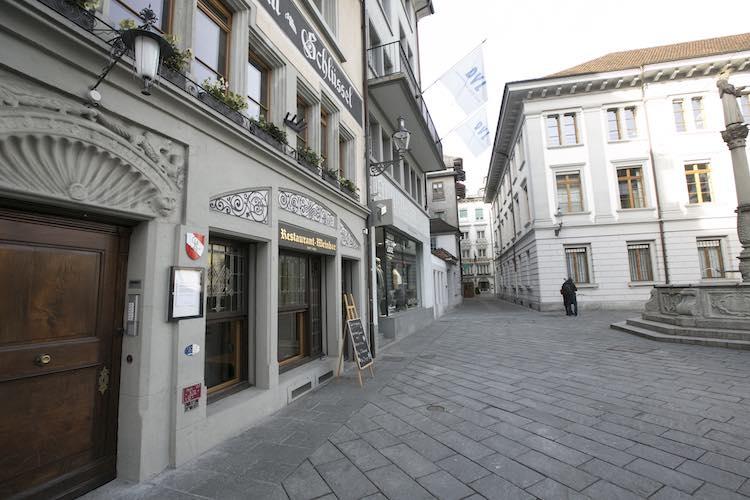 Aussenansicht des Hotel Schlüssel in Luzern am Franziskanerplatz